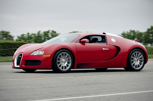 Bugatti Veyron – A Paramount Desire of Many Car Enthusiasts
