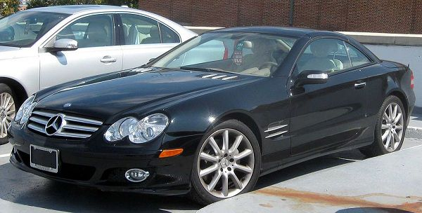 2006 Mercedes SL 550 - An Epitome Of Celebrities And Their Cars